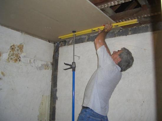Как сделать потолок из гипсокартона пошаговая